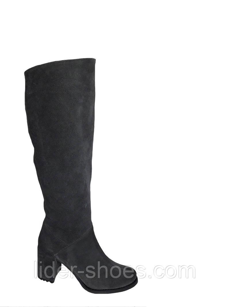 Женские зимние сапоги серого цвета