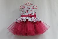 """Нарядное платье на девочку """"Декор прованса"""" с малиновым фатином"""