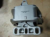Подушка двигателя левая Skoda Octavia Tour 1J0199555AK