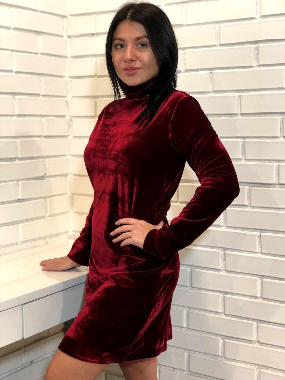 Вишневое велюровое женское платье мини на 44-46
