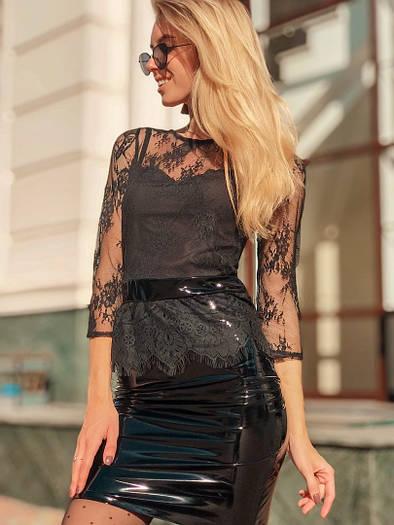 Платье, верх дорогое французское кружево на подкладе +винил. Размер:С,М. Цвет: черный. (250)