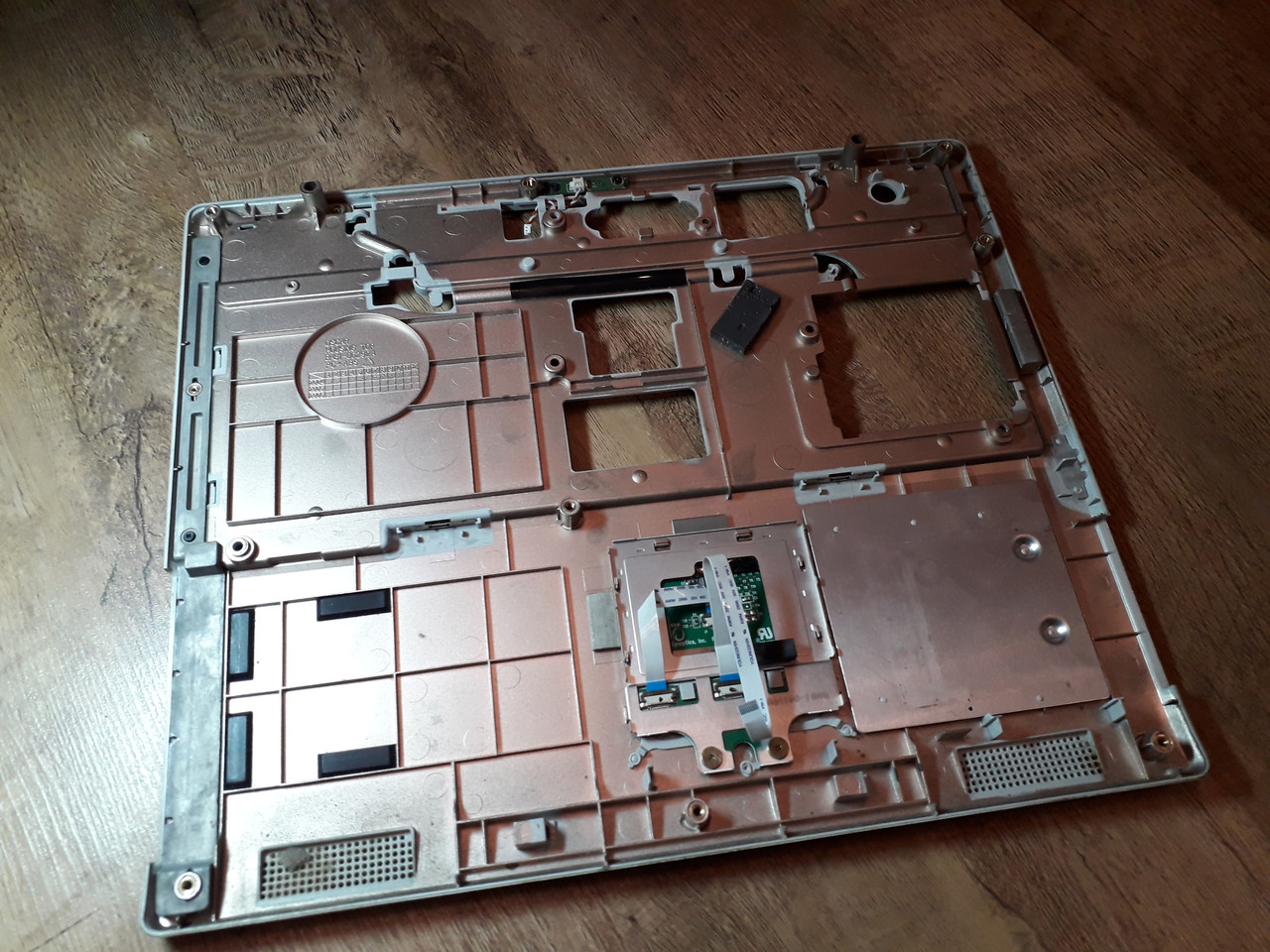 Верхня частина корпуса (тачпад) Samsung P28 оригінал б.у