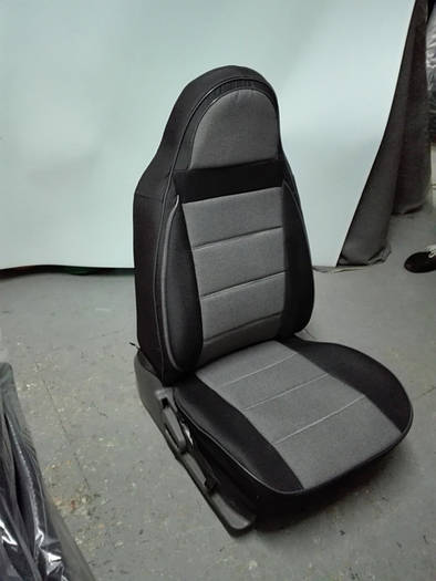 Чехлы на сиденья Тойота Ленд Крузер Прадо 120 (Toyota Land Cruiser Prado 120) (модельные, экокожа+автоткань, отдельный подголовник)