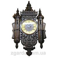 Часы деревянные с башнями