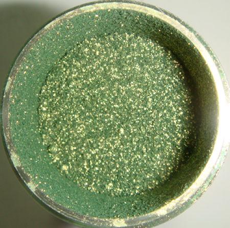 MAC зелено-золотой пигмент Golden Olive