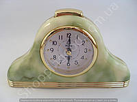 Настільні годинники будильник Pearl PR2 трикутні з підсвічуванням арабські цифри кроковий хід Зелений