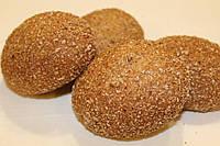 Цельнозерновые булочки с зернышками
