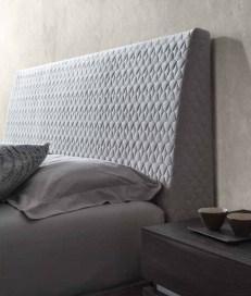Кровать 154*203 с мягким изголовьем New Star