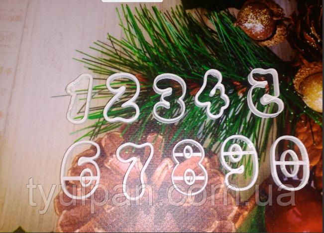 Вырубка -оттиск цифры для  мастики 3 см сказочные