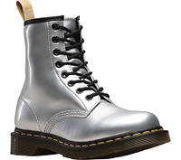 1790422d03e1 Женские ботинки Dr. Martens Vegan 1460 8-Eye Boot Silver Chrome Metallic  Paint