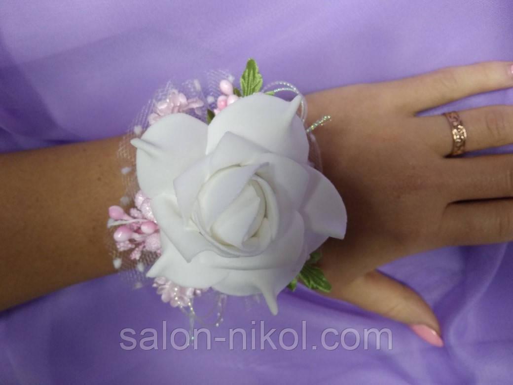 Браслет из роз на руку свидетельнице (большая роза бархат розовая).
