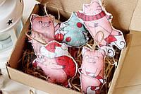 """Набор новогодних игрушек из фетра ручной работы """"Свинки новогодние"""" 4шт"""