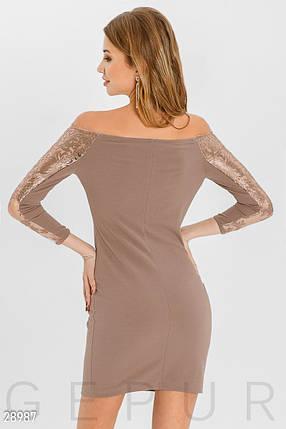 Красивое платье мини приталенное с вышивкой рукав три четверти кофейное, фото 2