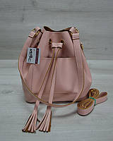 Молодежная сумка из эко-кожи  Люверс  пудрового  цвета