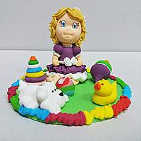 """Сахарное украшение для торта """"Девочка с игрушками"""""""