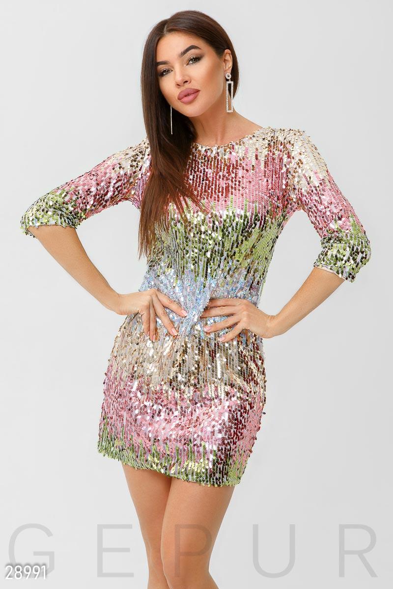 Коктейльное платье мини из цветных пайеток приталенное рукав три четверти
