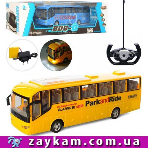 Автобус на радіокеруванні 666-698A
