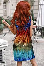 Нарядное платье мини из цветных пайеток приталенное без рукав красно синее, фото 3