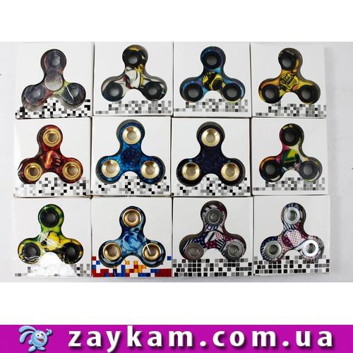 Спінер різнокольоровий 12 видів