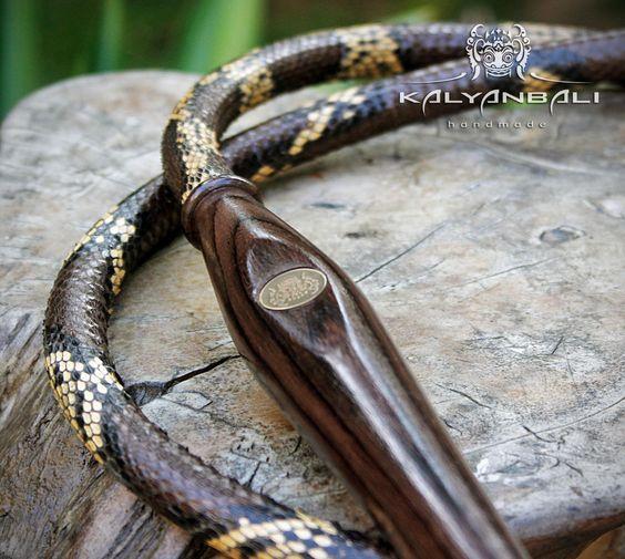 трубка для кальяна из кожи с мундштуком