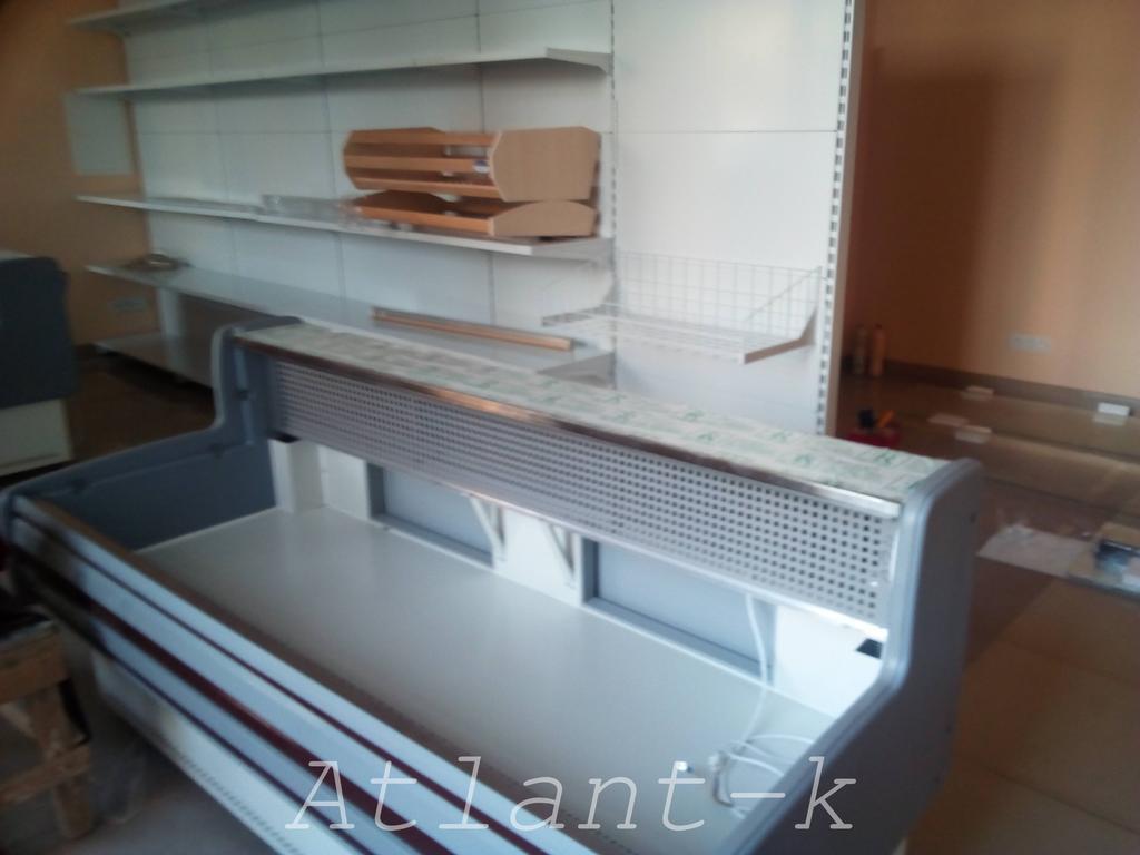 Витрины Пальмира и металлические стеллажи в продуктовом магазине, г. Киев 1