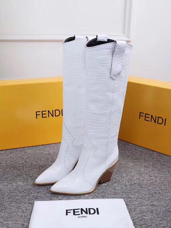 Женские зимние сапоги на выбор Fendi белые натуральная кожа. В Украине!