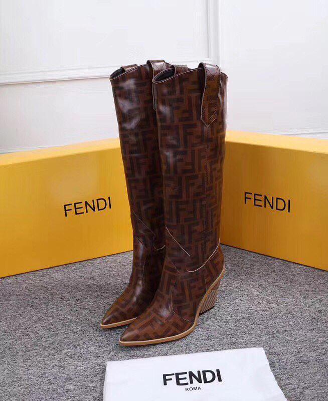 Женские зимние сапоги Fendi коричневые натуральная кожа. В Украине!