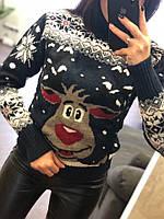 Женский вязаный свитер с оленем в разных цветах