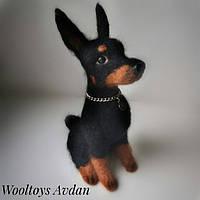 Собака породы Доберман, авторская игрушка, сухое валяние из шерсти.