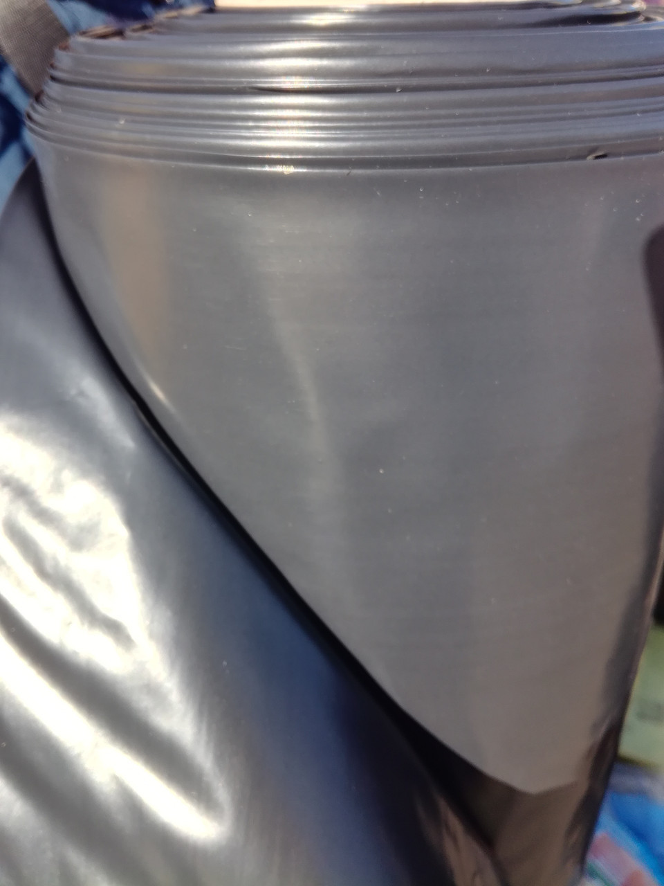Пленка черная плиэтиленовая ,толщина 150мкм , размер 3мх50м ,вес 19 кг