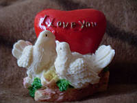 Подставка под свечку сердце с голубями