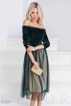 Вечернее платье средней длины с пышной юбкой рукав три четверти открытые плечи изумрудное с кремовым, фото 2