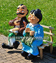 Садовая фигура Баба с дедом на скамейке, фото 2