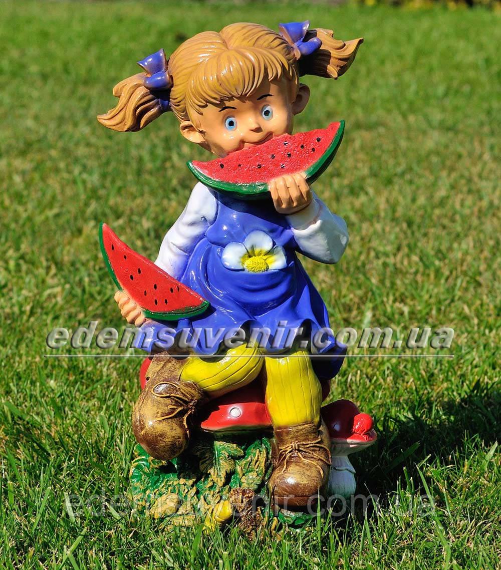 Садовая фигура Девочка с арбузом