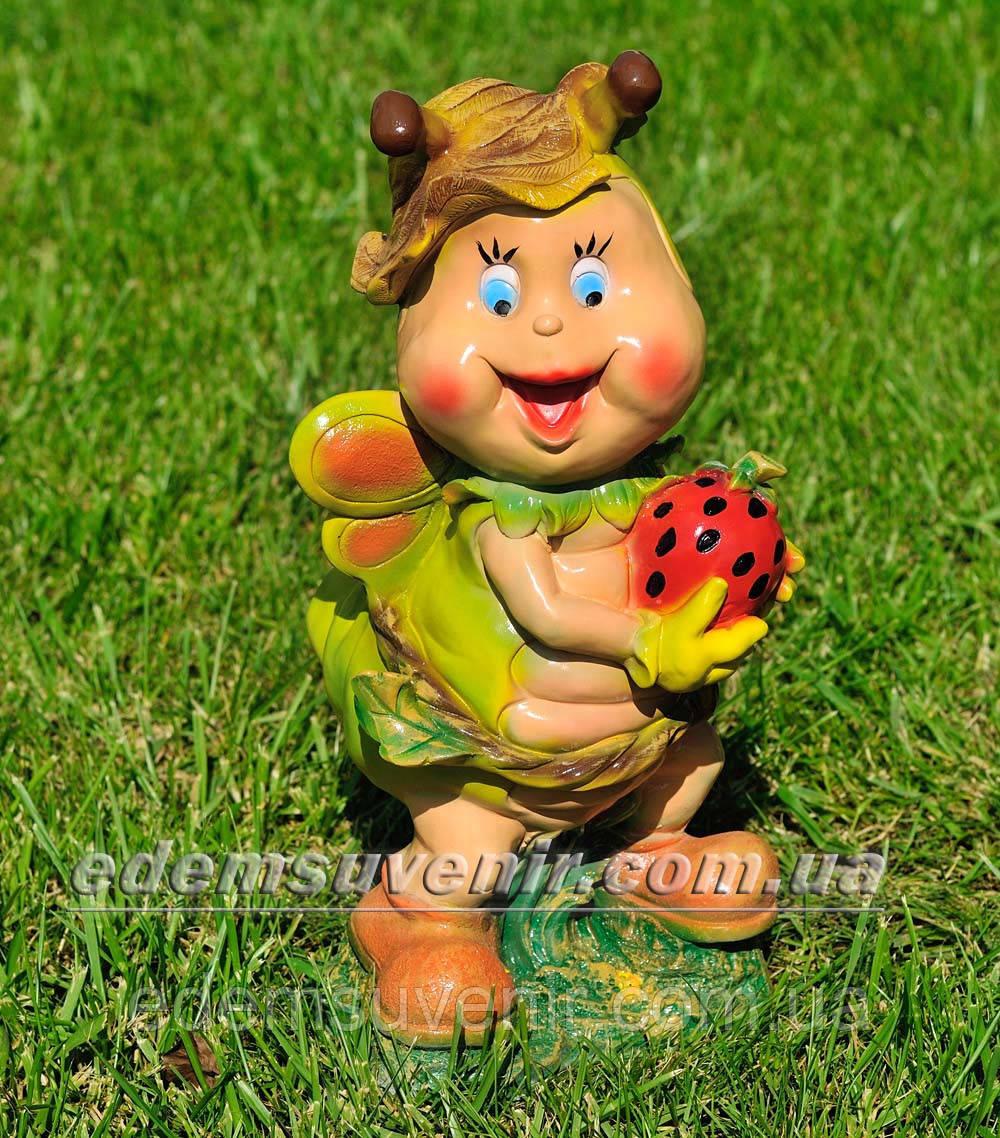 Садовая фигура Мотылек с клубникой