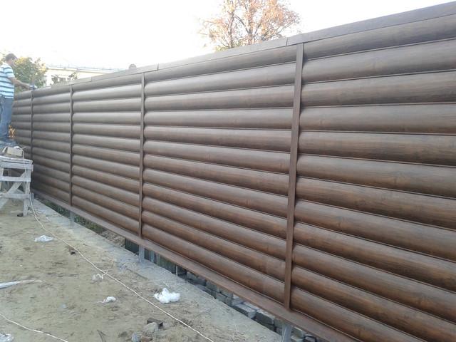 Заборы из металлосайдинга блок хауса