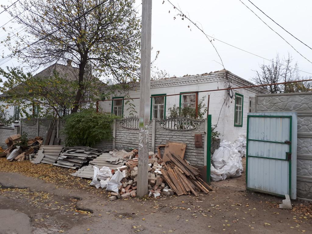 Гнилые доски выбрасывались, хорошие или оставляли на опалубку, или разбирались соседями на растопку.