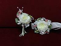 Свадебные бутоньерки (на пиджак и на руку) айвори с бледно-розовым
