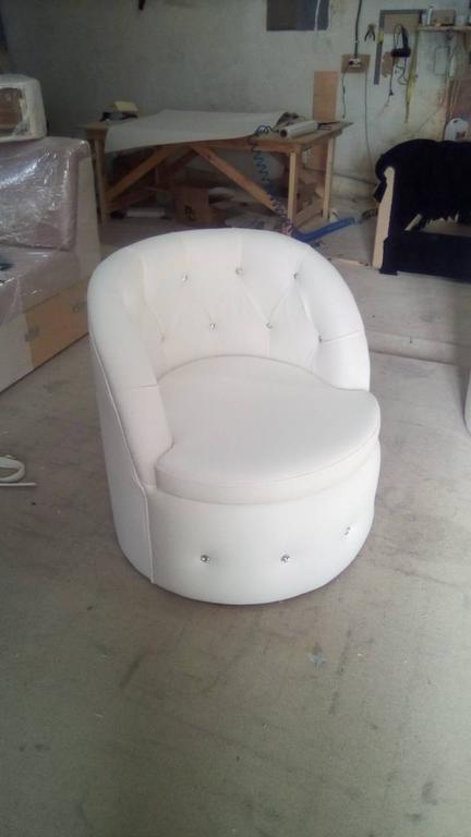 Крісло Тюльпан з каретною затяжкою. 1