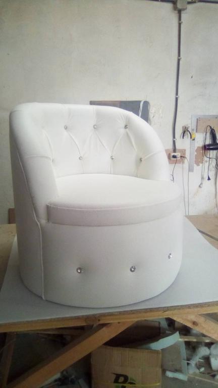 Крісло Тюльпан з каретною затяжкою. 2