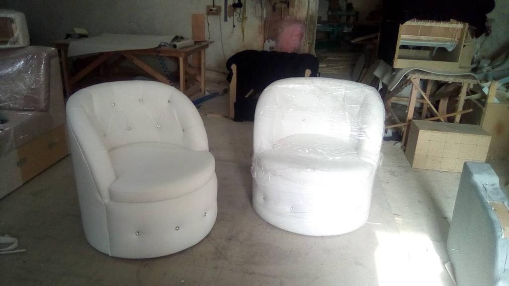 Крісло Тюльпан з каретною затяжкою. -1