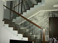 Лестница деревянная в стиле Модерн