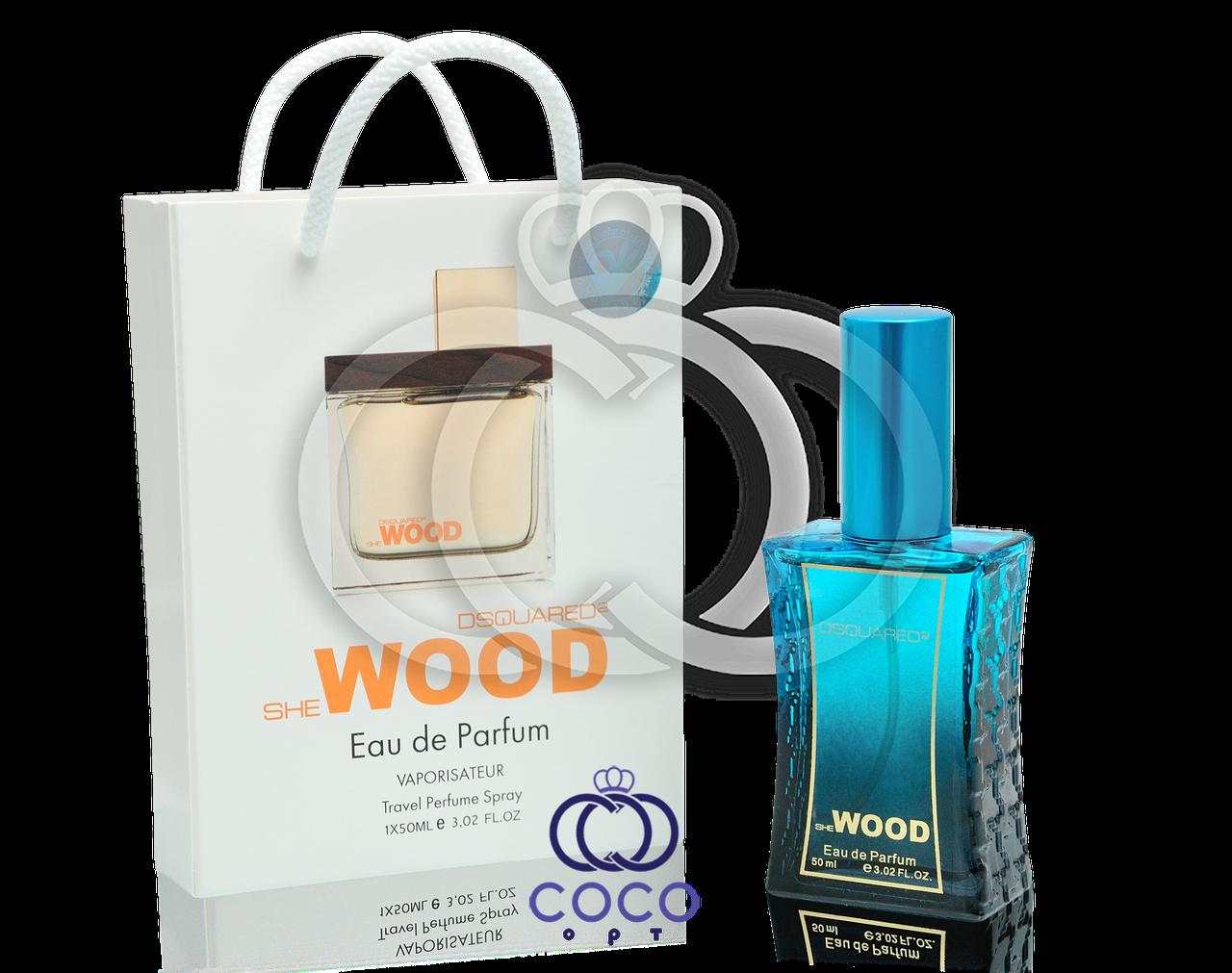 Женская парфюмированная вода Dsquared2 She Wood в подарочной упаковке 50 мл