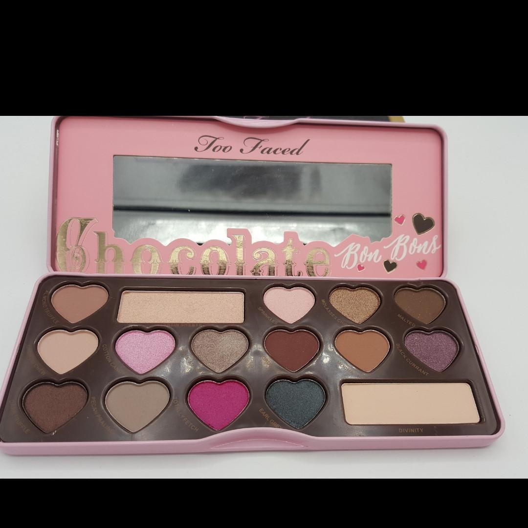 Набор теней Chocolate Bon Bons eye shadow collection
