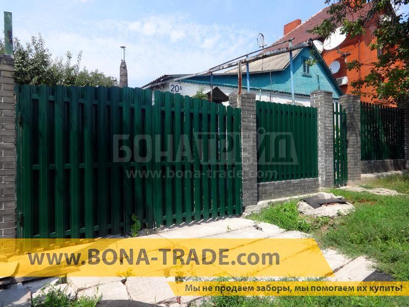 Ворота розпашні металеві для паркану з двостороннім зашивкою
