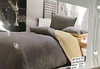 Однотонное постельное белье евро размера серое с бежевым