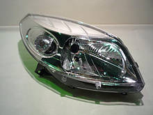 Фара передня права (хром) Renault Sandero (Original 8200733877)