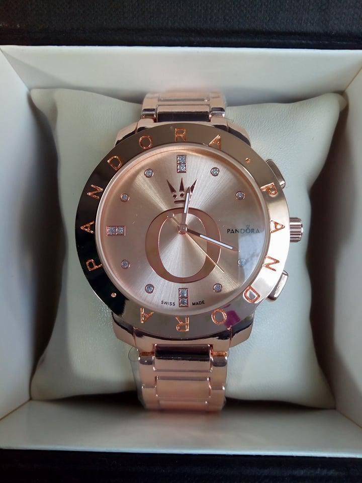 Женские наручные часы Pandora золото