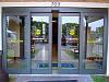 Автоматическая раздвижная дверь марки Besam Unislide 2