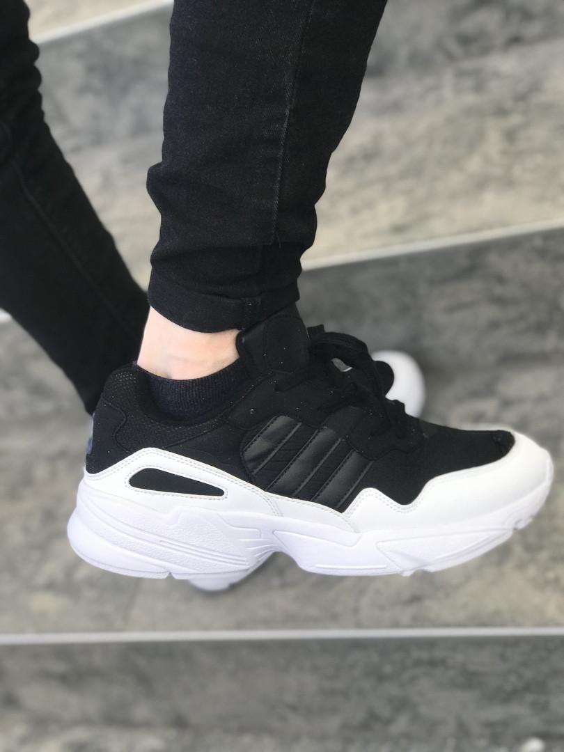 Мужские кроссовки Adidas черно-белые топ реплика